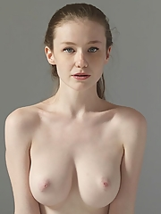 Emily Bloom 12 pictures