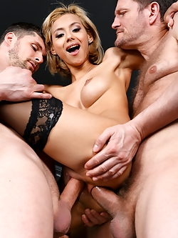When the three businessmen Ian Scott, Kristof Cale and Mike Angelo gather to meet Veronica Leal, the new secretary, things turn for the better. The blonde secretary not only is beautiful, with big perky tits, a slim waist and a round ass. She is also great at multitasking: taking three cocks in all her holes at the same time... and squirting. Definitely, the assistant every executive wish they had.