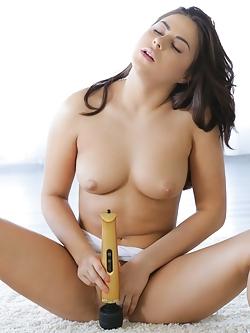 Waine porn nikki Nikki Waine