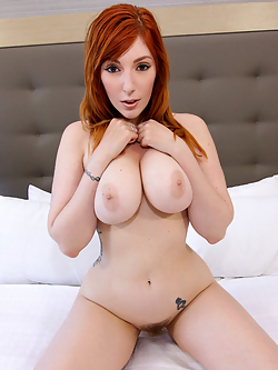 Bigtit babe Lauren Phillips is looking fine in her low-cut romper just for Tony. She can easily squeeze those tits and watch them jiggle as she bounces. Turning around, she gives Tony a view of that ass, too. Then she faces forward once again so she can pop her big jugs free.