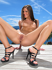 Caprice 15 pictures
