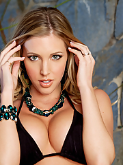 Samantha Saint 15 pictures