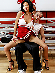 Veronica Avluv 15 pictures