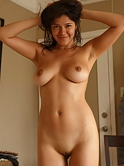 Curvy natural exotic amateur alone in her room
