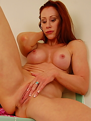 Catherine de Sade is the oldest Yanks Girl to date, but she is a smokin' hot MILF and puts some of our younger hunnies to shame. Watch as she has an amazing orgasm and shows us what a self-pleasure pro she truly is!